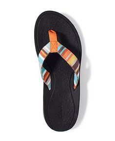 clarks women's white flip flops