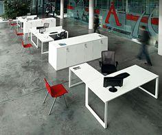 Mesa Vital Plus con ala para atención al público.