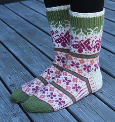 Ravelry: Summer Dream - Sommerdrøm pattern by Aud Bergo Crochet Socks, Knitting Socks, Knit Crochet, Knit Stockings, Fair Isle Knitting, Summer Dream, Baby Socks, Sock Yarn, Bearpaw Boots