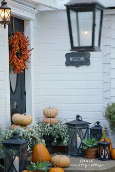 2 Simple changes for a new look on the front porch for autumn - Yesterday I shared a look at our front entry dressed for autumn with magnolia garland, pumpkins and lanterns. And today- it is al. Thanksgiving Decorations, Seasonal Decor, Holiday Decor, Autumn Decorations, House Decorations, Thanksgiving Ideas, Fall Home Decor, Autumn Home, Magnolia Garland