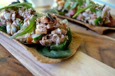 Super hot in Durban today. Why not enjoy a healthy tuna salad? This recipe is so easy and won't disappoint! Healthy Tuna Salad, Stuffed Green Peppers, Salmon Burgers, I Foods, Healthy Living, Lunch, Fresh, Summer Days, Hot
