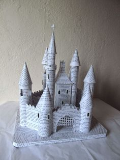 1 million+ Stunning Free Images to Use Anywhere Toilet Paper Crafts, Paper Roll Crafts, Paper Crafting, Cardboard Castle, Cardboard Crafts, Kirigami, Diy Arts And Crafts, Fun Crafts, Diy For Kids
