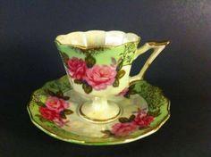 Šálek na čaj • zelený malovaný porcelán,růže