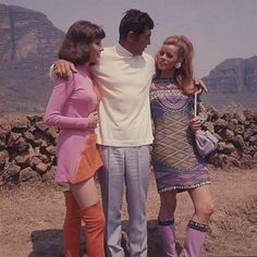 Dean and his Ambushers costars, Janice Rule and Senta Berger.