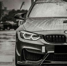 BMW F82 M4 b&w rain