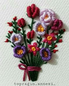 Wonderful Ribbon Embroidery Flowers by Hand Ideas. Enchanting Ribbon Embroidery Flowers by Hand Ideas. Brazilian Embroidery Stitches, Types Of Embroidery, Learn Embroidery, Silk Ribbon Embroidery, Embroidery For Beginners, Crewel Embroidery, Hand Embroidery Patterns, Embroidery Techniques, Floral Embroidery