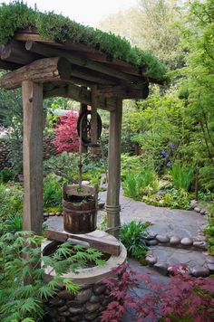 Water well, Satoyama Life Garden, a traditional Japanese garden created by Japanese designer, Kazuyuki Ishihara. This garden won a gold medal & was also chosen as the Best Artisan Garden at the RHS Chelsea 2012 Flower Show in London, England.