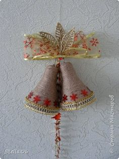 Plastic bottle and cord Embroidered Christmas Ornaments, Christmas Towels, Christmas Napkins, Christmas Ornament Crafts, Christmas Bells, Holiday Crafts, Christmas Wreaths, Diwali Decoration Items, Handmade Christmas Decorations