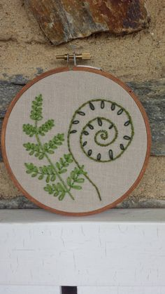 This sweet hand embroidered fern embroidery is a lovely gift for the woodland lover or garden enthusiast in your life. This item can also be Embroidery Hoop Art, Embroidery Stitches, Embroidery Patterns, Embroidered Leaves, Fibre And Fabric, Art Mural, Wall Art, Needle And Thread, Ferns
