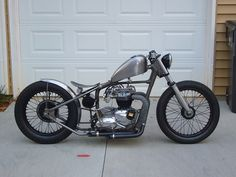 Bobber Inspiration | Triumph hardtail bobber | Bobbers and Custom Motorcycles