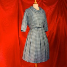 Vintage chic. From Quirk Vintage Clothing on Etsy