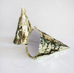 9-gold-fringe-party-hat