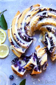 Blueberry Lemon Bundt Cake from @Laura | Tutti Dolci