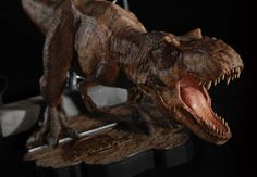 JURASSIC PARK BREAKOUT T-REX BY CHRONICLE COLLECTIBLES Jurassic World, Jurassic Park, T Rex, Lion Sculpture, Statue, Art, Art Background, Kunst, Performing Arts