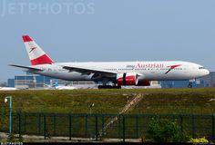 Boeing Planes, Boeing 747 200, Flight Deck, Photo Online, Spacecraft, Airplanes, Aviation, Aircraft, Commercial