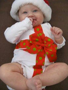 Homemade Christmas crafts make great gifts. Try making a very merry onesie for that special baby in your life to wear on Christmas day. Dress your baby up like the gift he is.