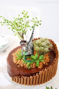 You won't need crazy cake decorating skills for this quick and easy velociraptor birthday party cake for young and old dinosaur lovers. 19th Birthday Cakes, Dinosaur Birthday Cakes, Homemade Birthday Cakes, Dinosaur Cakes For Boys, 5th Birthday, Birthday Ideas, Dino Cake, Crazy Cakes, Savoury Cake