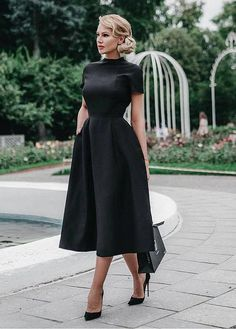 Black dresses classy - Black, classy dress and black prom dress – Black dresses classy Black Evening Dresses, Black Prom Dresses, Pretty Dresses, Beautiful Dresses, Dress Black, Black Dress For Funeral, A Line Dresses, Dress Prom, Black Dress Outfit Party