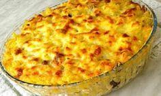 Υλικά 250γρ κοφτό μακαρονάκι ή μίνι πέννες ή φαρφάλε 4 φέτες του τοστ γαλοπούλα καπνιστή κομμένη σε μικρά κομματάκια 200γρ φέτα θρυμματισμένη 1 φλιτζάνι Casserole Recipes, Pasta Recipes, Cooking Recipes, Greek Cooking, Quiche, Macaroni And Cheese, I Am Awesome, Pizza, Stuffed Peppers