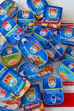 Focaccia cu ton și măsline | Bucate Aromate Snack Recipes, Snacks, Pop Tarts, Food, Snack Mix Recipes, Appetizer Recipes, Appetizers, Essen, Meals