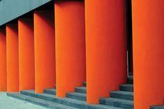 vvni:  Columns - Berlin 2004 byWally Gilbert