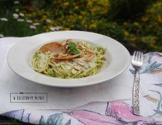 Spaghetti z awokado i cukinią w sosie gorgonzola
