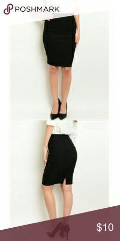✌20% Off Bundles✌ Black Midi Skirt NWT Form fitting back zip midi pencil skirt NWT Skirts Midi