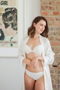 See our favourite pieces from Wonderbra for Everyday lingerie solutions to take you from work to play from Wonderbra Backless Bra, T Shirt Bra, Boudoir Photography, Summer Wardrobe, New Outfits, Beautiful Women, Glamour, Lingerie, Play