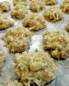 Coconut Oatmeal No Bake Cookies. These are amazing! Easy Coconut Oatmeal No Bake Cookies 2 c. sugar c. butter c. milk 1 oz) box instant coconut flavor pudding mix 2 c. quick cooking oats 1 c. Oatmeal No Bake Cookies, Yummy Cookies, Coconut Cookies, Drop Cookies, Baking Cookies, Just Desserts, Delicious Desserts, Yummy Food, Coconut Oatmeal