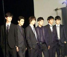 Sota Fukushi. MEN ON STYLE. from left Ryosuke Yamamoto, Tasuku Nagase, Sota Fukushi, Ryo Ryusei, Tomohiro Ichikawa, Jingi Irie
