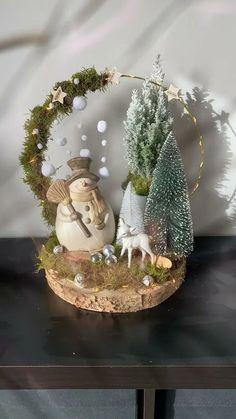 Handmade Christmas Decorations, Christmas Centerpieces, Diy Christmas Ornaments, Christmas Arrangements, Holiday Crafts, Christmas Table Decorations, Christmas Wreaths, Tree Decorations, Merry Christmas Sign