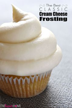 Classic Cream Cheese Frosting ~ silky and sweet with a slight tang from the cream cheese, this effortless frosting quickly comes together with just four ingredients and complements a variety of cakes and cupcakes! Cupcake Recipes, Baking Recipes, Cupcake Cakes, Dessert Recipes, Dessert Ideas, Just Desserts, Delicious Desserts, Yummy Food, Yummy Treats