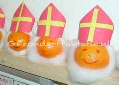 sinterklaas mandarijn Birthday Treats, Birthday Favors, Crafts For Kids, Arts And Crafts, 4 Kids, Kids Gifts, Christmas And New Year, Kids Meals, Party Themes