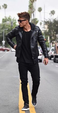 New Sneakers Outfit Men Casual Leather Jackets Ideas New Sneakers Out. - New Sneakers Outfit Men Casual Leather Jackets Ideas New Sneakers Outfit Men Casual Leather Jackets Ideas Source by - Outfit Hombre Casual, Black Outfit Men, Casual Wear, Men Style Casual, Black Hoodie Outfit, Pants Outfit, Smart Casual, Mens Jeans Outfit, Man Jeans