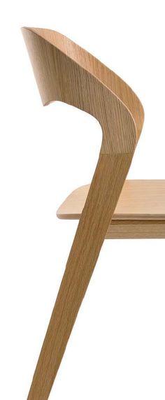 Silla modelo Mixis de Crassevig diseñada por Mario Ferrarini. Mobiliario de diseño para oficinas, contract o hogar. (Espacio Aretha agente exclusivo para España).