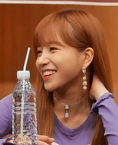 Nayeon Bias Wrecker Yuri Tumblr, Yuri Gif, Yoon Sun Young, Japanese Girl Group, The Wiz, Bias Wrecker, Kpop Girls, Ulzzang, Princess