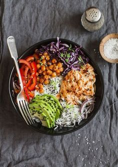 9 Buddha Bowls to take to work - Cuisine - Raw Food Recipes Raw Food Recipes, Asian Recipes, Mexican Food Recipes, Vegetarian Recipes, Cooking Recipes, Healthy Recipes, Cooking Hacks, Plats Healthy, Clean Eating