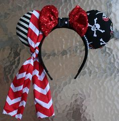 Pirate Minnie Mouse Ears with Sequin Bow Diy Mickey Mouse Ears, Diy Disney Ears, Disney Mickey Ears, Disney Diy, Disney Crafts, Disney Halloween Cruise, Disney Fantasy Cruise, Disney Dream Cruise, Disney Christmas