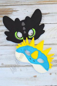 Toothless and stormfly masks by MyWonderlandBoutique on Etsy                                                                                                                                                                                 Mehr