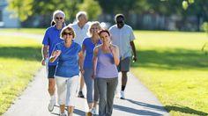 Die Generation Ü50 legt los! Sport ist heute längst kein Thema mehr, das nur junge Erwachsene begeistert. Die Rentner erobern mit eigenen Programmen die Fitnessstudios.
