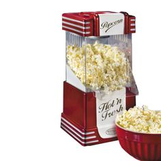 Popcorn maken kan nu ook gewoon thuis! Creëer je eigen bioscoop ervaring lekker thuis op de bank of geef deze machine cadeau aan de echte popcorn fanaten onder ons. #popcorn #retro