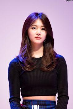 Twice - Tzuyu South Korean Girls, Korean Girl Groups, Korean Beauty, Asian Beauty, Nayeon, Beautiful Asian Girls, Beautiful Women, Chou Tzu Yu, Girl Inspiration