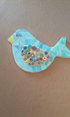 Synthia's Blue Iridescent Mosaic Bird. Tile Crafts, Mosaic Crafts, Mosaic Projects, Mosaic Animals, Mosaic Birds, Mosaic Rocks, Mosaic Glass, Christmas Mosaics, Mosaic Windows