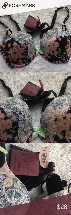 NWT • VICTORIA'S SECRET PLUNGE BRA NWT • VICTORIA'S SECRET PUSH-UP BRA • SIZE 38C • SATIN & LACE WITH SMALL FAUX PEARL ACCENTS • COMES WITH EXTRA STRAPS & BOOKLET WITH 5 SEXY WAYS TO WEAR BRA Victoria's Secret Intimates & Sleepwear Bras