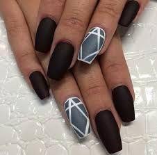 Αποτέλεσμα εικόνας για μαυρα νυχια με στρας