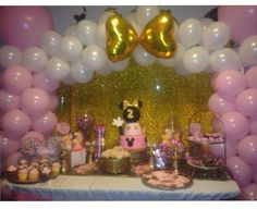 Oh twoodles Riley's pink & gold Minnie Mouse birthday party. This was one of my favorite parties I've ever done!!