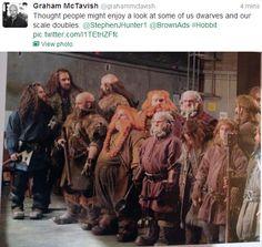 Behind the Scenes:Via Graham McTavish's Twitter // Whooooaaa, they look just the same!! *gets to Thorin* Ahhhahahahahaha!! XD
