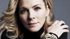 Kim Cattrall anima a las mujeres a afrontar la menopausia con Estilo: http://www.cosmopolitantv.es/noticias/4114/kim-cattrall-anima-a-las-mujeres-a-afrontar-la-menopausia-con-estilo