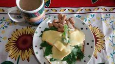 Banquete de quem estava 14h em jejum e vê na geladeira que sua irmã ganhou o melhor queijo artesanal da vida  ovos queijo amêndoas café com leite de coco e no final ainda teve um cafezinho puro  by vitoriabemvenuto