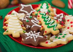 Celebrate the holiday season and National Cookie Day by baking some delicious cookies that even Santa would love. Delicious Cookie Recipes, Yummy Cookies, Sugar Cookies, Easy Recipes, Cocoa Cookies, Ginger Cookies, Holiday Cookies, Holiday Treats, Christmas Treats